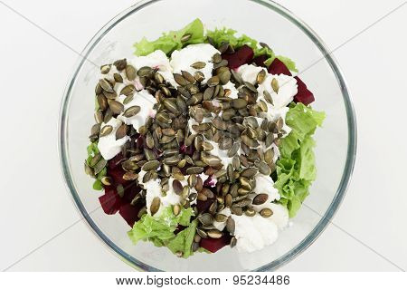 Salad With Beets And Pumpkin Seeds