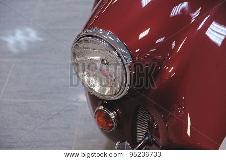 Head-light of AC Cobra