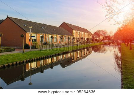 Picturesque Houses On The Canal In Meerkerk, Netherlands