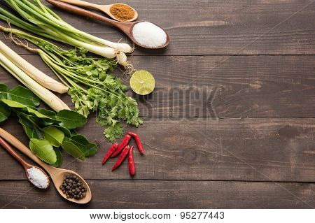 Kaffir Lime Leaves, Coriander Or Cilantro, Lemon, Lemon Grass, Red Chilli, Green Onions And Spices O