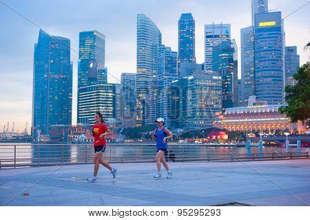 Running Women, Singapore