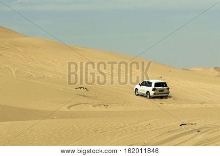 Jeeps traditional Safari Dune Bashing with tourists Oman Ubar in Desert Rub al Khali 10