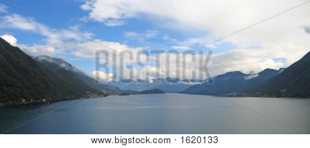 Large View From The Lake And Its Mountains, Come Lake, Italia, Panorama