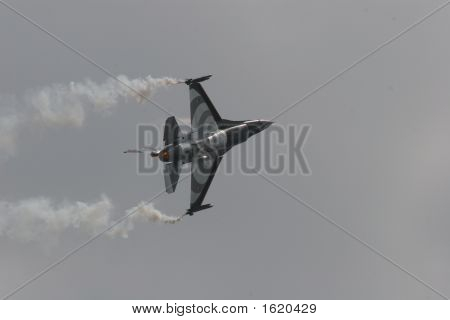 Dutch F-16 Solo Display In Action