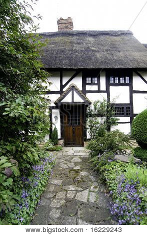 Pathway to quaint traditional cottage in Stratford Upon Avon, England