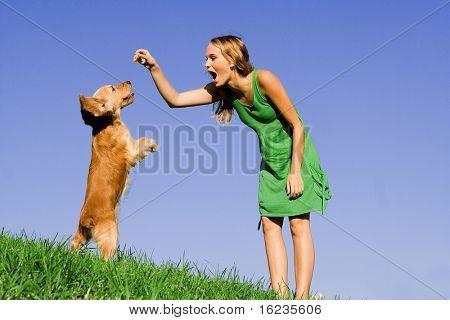 niña con perro