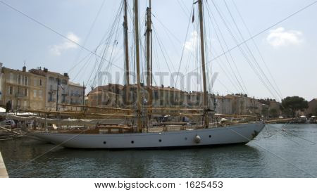 Lelantina St-Tropez