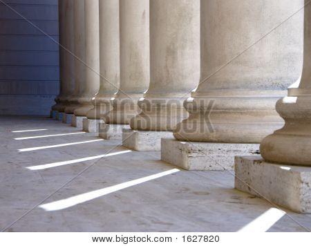 Colunas jónicas