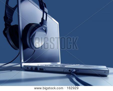 Laptop escuchar