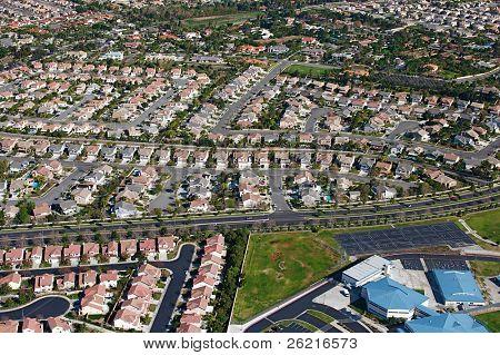 Vista aérea da expansão suburbana e bairros