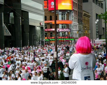 COLUMBUS, OHIO-MAY 16,: Crowd of 46,000 gathers for the Komen Columbus Race for the Cure In Columbus Ohio on May 16, 2009