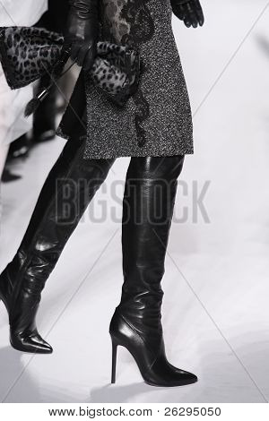 Elie Tahari Fall/winter 2011 Collection - Runway - New York Fashion Week