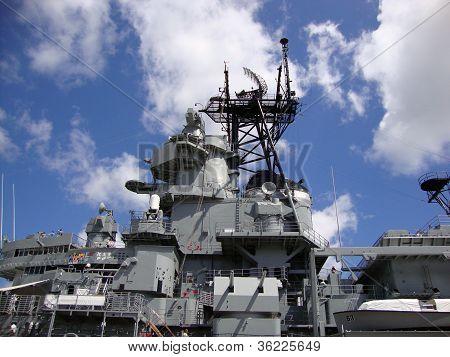 Uss Missouri Radar And Satellite Towers At Midship