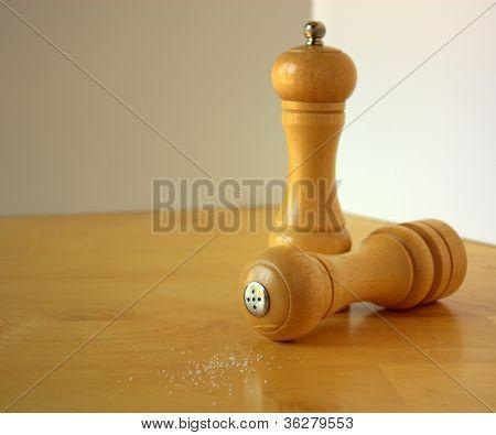 madeira abanadores de sal e pimenta