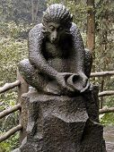 image of emei  - Monkey monument located in Emei Shan  - JPG
