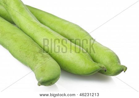 Broad beans and pods