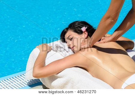 Relaxing summer massage