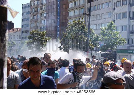 Istambul - 1 de junho: Parque Gezi protesto público contra o governo, que começou a guardar uma vez Park
