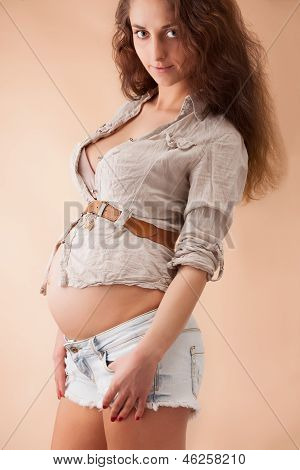 Portrait of a beautiful pregnant woman