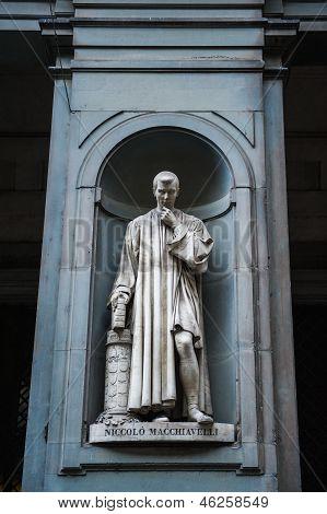 Statue Of Nicollo Macchiavelli