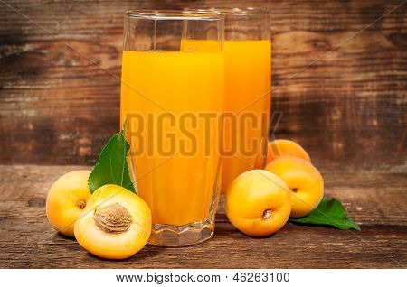 Apricot Juice With Fresh Apricots