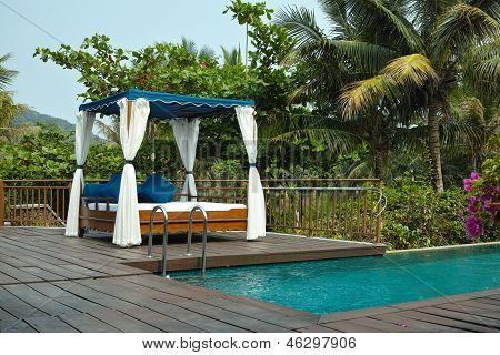 Tropical Cabana And Swimming Pool