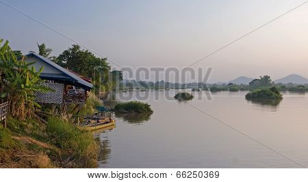 Cottage For Tourists On The River Mekong In Don Det