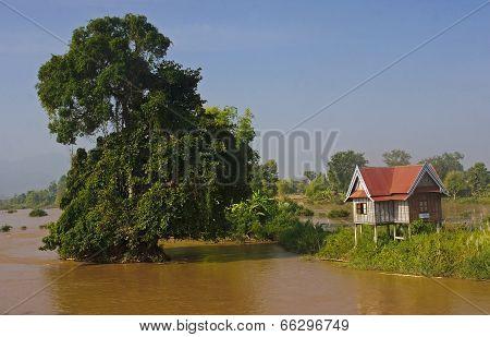 Cottage On The Island Around Don Det