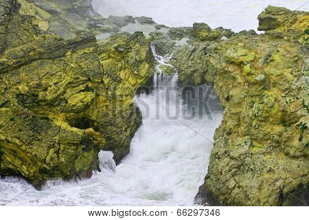 Rock And Water Fighting