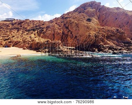 beautiful ocean inlet in cabo san lucas