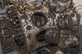 Постер, плакат: Engine Destroyed Of An Old Military Aircraft