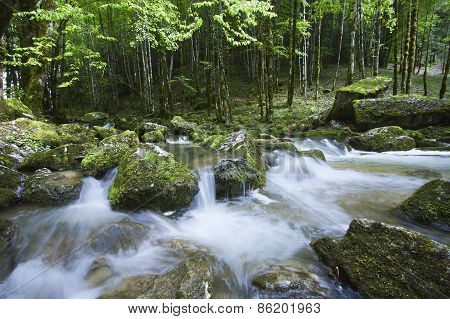 long exposure, waterfall in Jura moutains, France