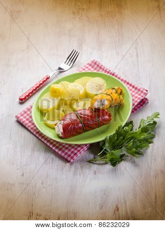 capsicum stuffed with ricotta and potatoes salad