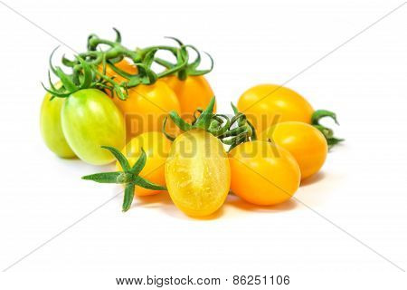 Organic yellow grape tomato
