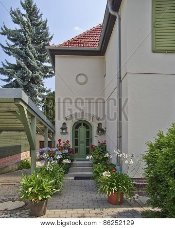 House arched entrance in Altenburg, Germany