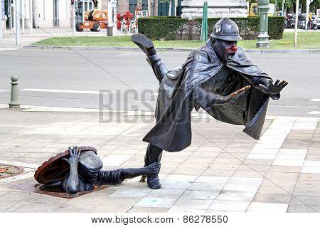 Statue De Vaartkapoen In Brussels