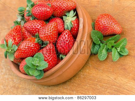 Seasonal fruit - strawberries