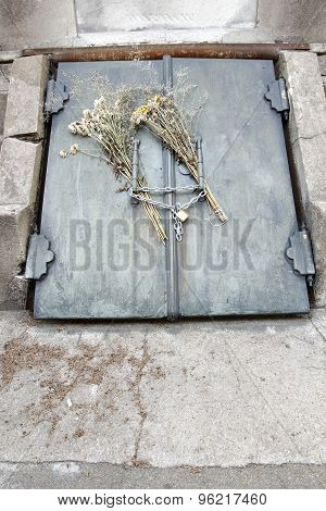 Grave In The Cemetery  Of Recoleta.