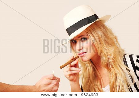 Stylish Female Lighting Cigar