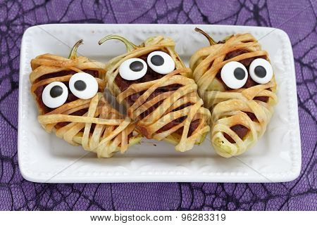 Stuffed peppers look like a mummies