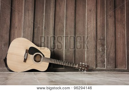 The Wood Guitar