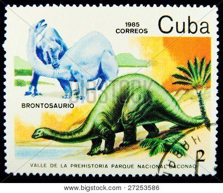 CUBA - CIRCA 1985: A stamp printed in Cuba shows Brontosaurus, series devoted to prehistoric animals, circa 1985