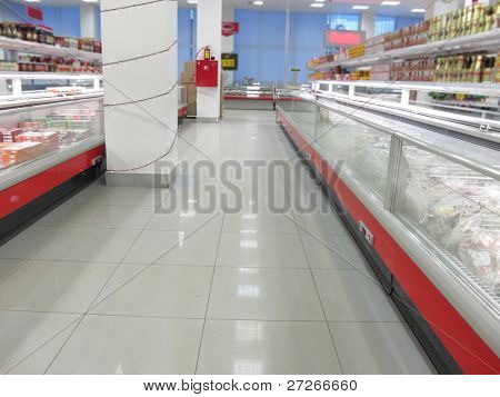 the image of a rows in a supermarket