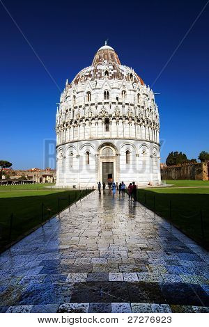 Piazza dei miracoli with the Baptiserium, Pisa, Italy