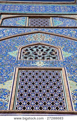 Tiled oriental ornaments mosque's wall  on Naqsh-i Jahan Square, Esfahan, Isfahan, Iran