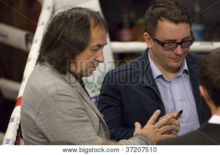A. Inshakov Gives Autograph