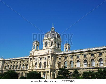 Kunsthistorisches Museum At Mariatheresasquare