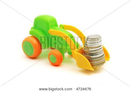 El dinero de cargas de excavadora de juguete