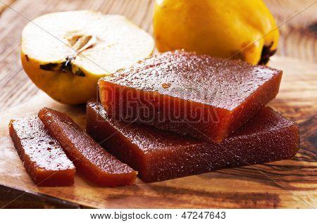 quince bread - dulce de membrillo
