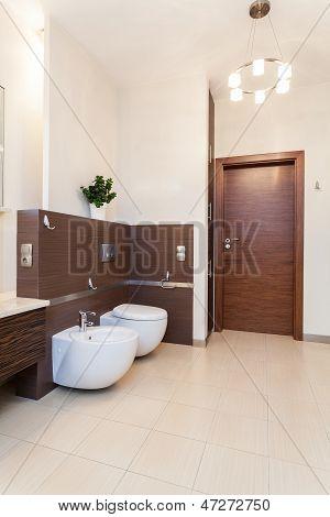 Classy House - Bathroom